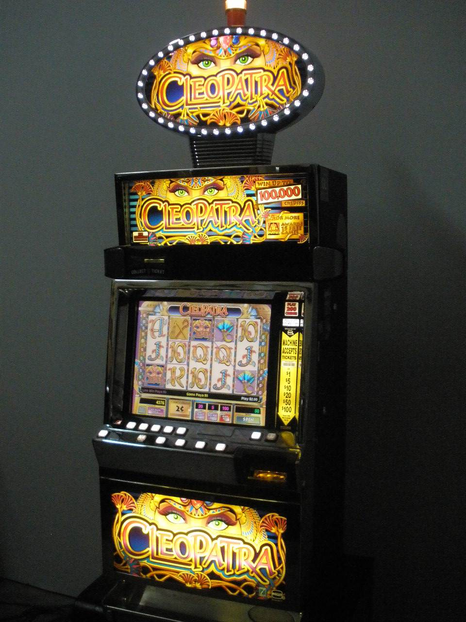 Cleopatra IGT Slot Machine